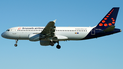 OO-TCV - Airbus A320-214 - Brussels Airlines