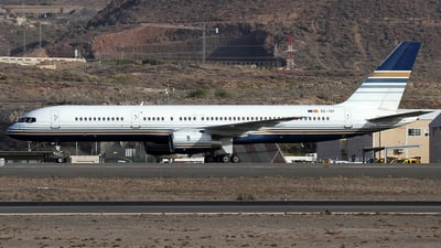 A picture of ECISY - Boeing 757256 - Privilege Style - © Alfonso Solis