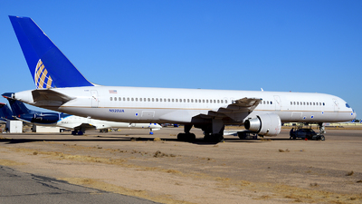 A picture of N520UA - Boeing 757222 - [24890] - © Agustin Anaya