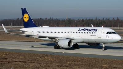 D-AIUC - Airbus A320-214 - Lufthansa