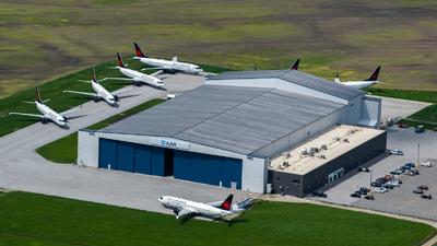 CYQG - Airport - Ramp