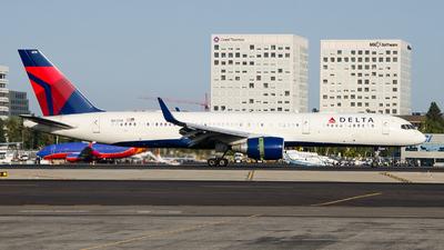 N6709 - Boeing 757-232 - Delta Air Lines
