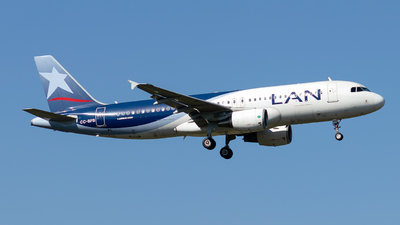 A picture of CCBFB - Airbus A320214 - LATAM Airlines - © MartinezRoe7