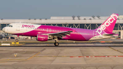 JA804P - Airbus A320-214 - Peach Aviation