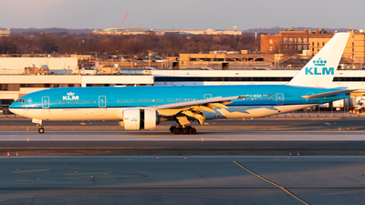 A picture of PHBQA - Boeing 777206(ER) - KLM - © HAOFENG YU