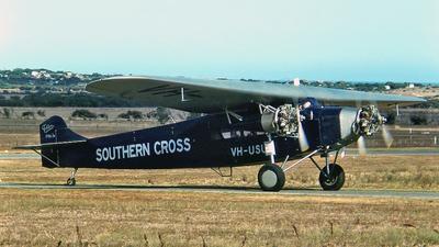 VH-USU - Fokker F.VIIb/3m - Private