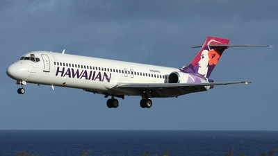 A picture of N484HA - Boeing 71722A - Hawaiian Airlines - © AL-Alan Lebeda