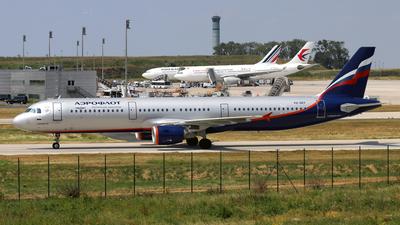 A picture of VQBEF - Airbus A321211 - [4103] - © Javier Rodriguez - Amics de Son Sant Joan