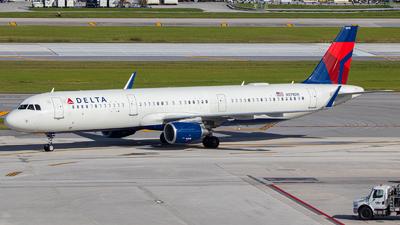A picture of N378DN - Airbus A321211 - Delta Air Lines - © Marcos Perez Sanchez