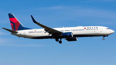 N828DN - Boeing 737-932ER - Delta Air Lines