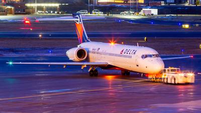 N896AT - Boeing 717-2BD - Delta Air Lines