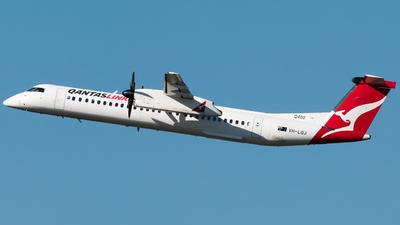 A picture of VHLQJ - De Havilland Canada Dash 8400 - Qantas - © Gus Fuller
