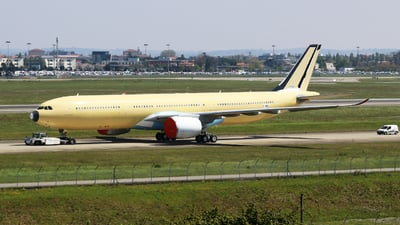 A picture of FWWYL - Airbus A330 - Airbus - © Matthew Lima