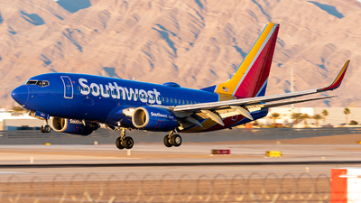 N7877H - Boeing 737-7Q8 - Southwest Airlines