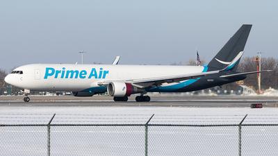 A picture of N337AZ - Boeing 767323(ER)(BDSF) - [27060] - © Sean Brink