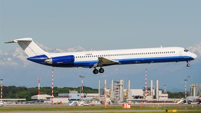 F-GMLX - McDonnell Douglas MD-83 - Blue Line
