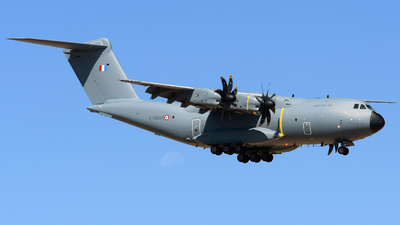 0102 - Airbus A400M - France - Air Force