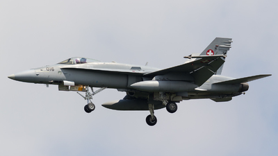 J-5016 - McDonnell Douglas F/A-18C Hornet - Switzerland - Air Force