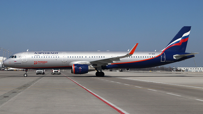 A picture of VPBKR - Airbus A321211 - Aeroflot - © Philipp Schuetz