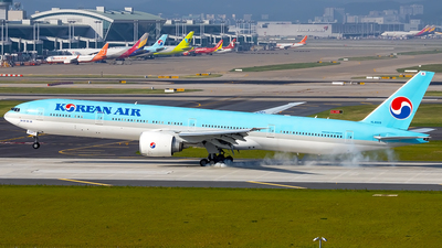 A picture of HL8009 - Boeing 7773B5(ER) - Korean Air - © YoungKyun Shin
