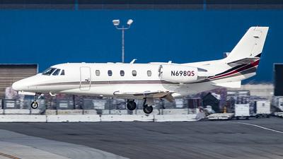 A picture of N698QS - Cessna 560XLS Citation Excel - NetJets - © David Lee