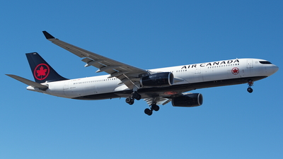 A picture of CGEGC - Airbus A330343 - Air Canada - © Yari Strban