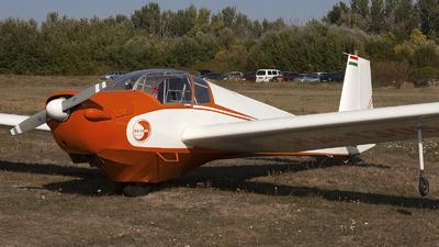 HA-1305 - Scheibe SF.25C Falke - Private