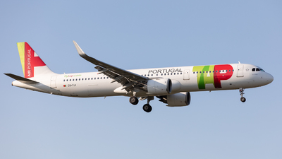 A picture of CSTJI - Airbus A321251N - TAP Air Portugal - © Robert Smith
