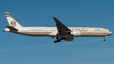 A6-ETQ - Boeing 777-3FXER - Etihad Airways