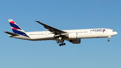PT-MUB - Boeing 777-32WER - LATAM Airlines