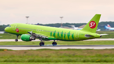 VQ-BOA - Airbus A320-214 - S7 Airlines