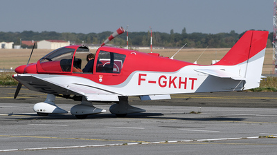 F-GKHT - Robin DR400/120 D - Private