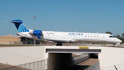 A picture of N502GJ - Mitsubishi CRJ550 - United Airlines - © Devin | Charleston Spotter