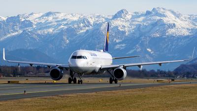 A picture of DAIUN - Airbus A320214 - Lufthansa - © Lukas Hollnsteiner