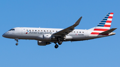 A picture of N230NN - Embraer E175LR - American Airlines - © Evan Dougherty