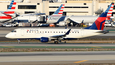 A picture of N290SY - Embraer E175LL - Delta Air Lines - © Rocky Wang