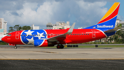 N922WN - Boeing 737-7H4 - Southwest Airlines