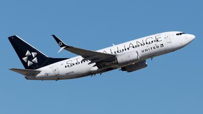 N13720 - Boeing 737-724 - United Airlines