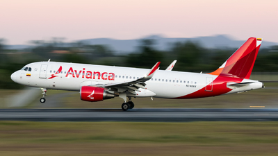 N748AV - Airbus A320-214 - Avianca