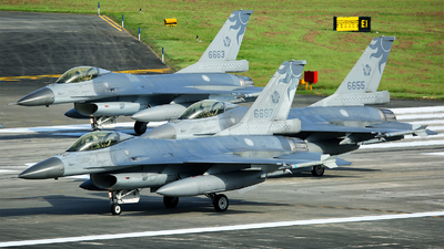 6667 - General Dynamics F-16A Fighting Falcon - Taiwan - Air Force