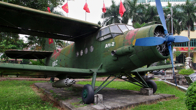 670.C - PZL-Mielec An-2TD - Vietnam - Air Force