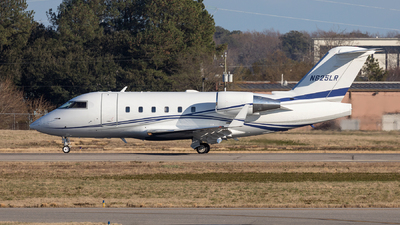 N625LR - Bombardier CL-600-2B16 Challenger 601-3A - Private