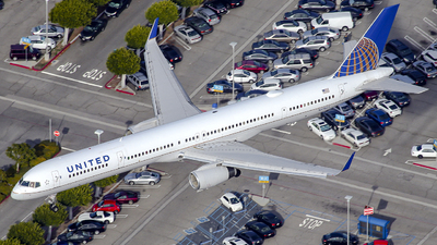 A picture of N57862 - Boeing 75733N - United Airlines - © James Dinsdale