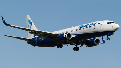 A picture of YRBMK - Boeing 73782R - Blue Air - © Marco Macca