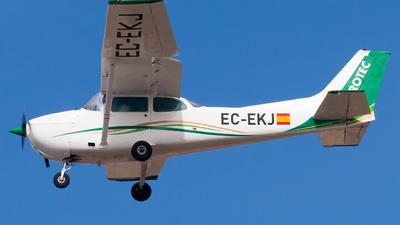 EC-EKJ - Cessna 172N Skyhawk II - Aerotec