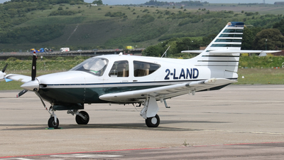 2-LAND - Rockwell Commander 114B - Private