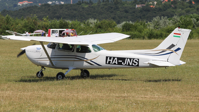 HA-JNS - Cessna 172P Skyhawk II - Private