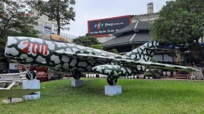 2011 - Mikoyan-Gurevich MiG-17 Fresco - Vietnam - Air Force