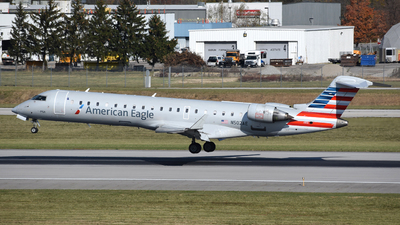 A picture of N502AE - Mitsubishi CRJ701ER - American Airlines - © DJ Reed - OPShots Photo Team