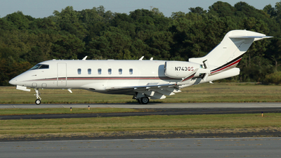 N743QS - Bombardier BD-100-1A10 Challenger 350 - NetJets Aviation